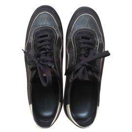 3878c09d2e14 Chaussures homme Louis Vuitton occasion - Joli Closet