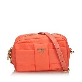 Second hand Prada Handbags - Joli Closet db7b58256d