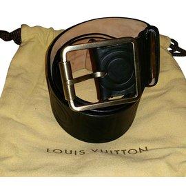 3d6b6f99b041 Ceintures Louis Vuitton occasion - Joli Closet