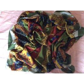 Hermès-Grand Châle Hermès en cachemire et soie-Multicolore