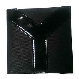 Yves Saint Laurent-portefeuilles-Noir