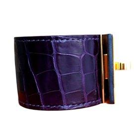 Hermès-Magnifique Bracelet Hermès Kelly dog en alligator améthyste-Violet