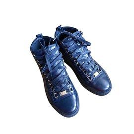 Balenciaga-Baskets en cuir bleu-Bleu Marine