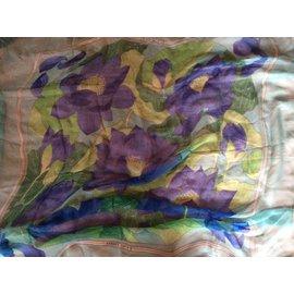 """Hermès-""""Grande mousseline de soie Hermès 'Fleurs de Lotus""""-Multicolore"""