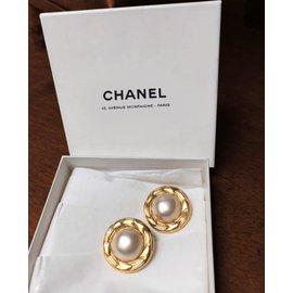 Chanel-Boucle d'oreille à clip Chanel-Doré