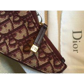 Christian Dior-Washington00144-Bordeaux