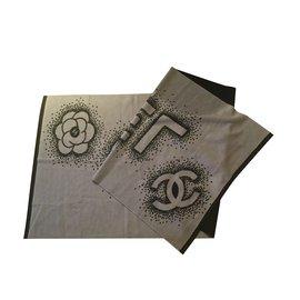 Chanel-Étole / pashmène-Noir