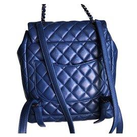 Chanel-Sac à dos Chanel Blue avec matériel argenté-Noir