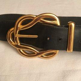 Chanel-vintage-Black,Golden