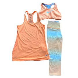 Nike-Nike dry fit out-Orange