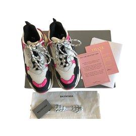 4e24df8367eb8 Second hand Balenciaga Sneakers - Joli Closet