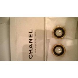 Chanel-stylish-Metallic