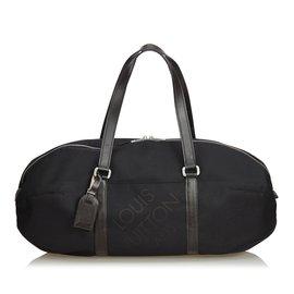 7b06ddc0ba3e Louis Vuitton-Damier Geant Attaquant-Noir ...