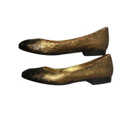 Chanel-Ballerines-Bronze