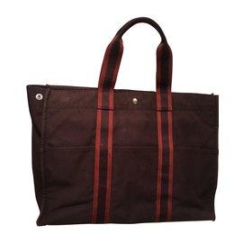 Hermès-Toto Large model 800 Eur-Dark red