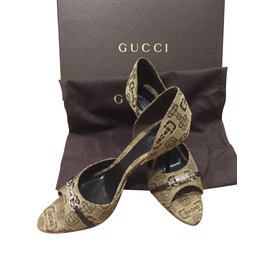 Gucci-Heels-Brown