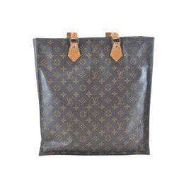 e14195af7706 Second hand luxury designer - Joli Closet
