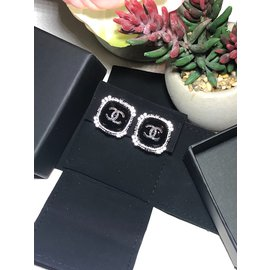 Chanel-Rare Chanel Earring-Black,Silvery,Dark grey