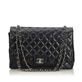 Chanel-Sac à rabat simple en cuir d'agneau Maxi classique-Noir