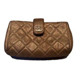 Chanel-Pochettes-Bronze