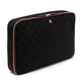 Chanel-TIMELESS COMPUTER CASE-Noir