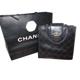 1715282286a Sac chanel occasion - Joli Closet
