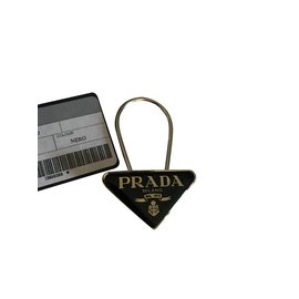 Prada-porte-clé prada trinagle métal nouveau-Noir