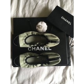 Chanel-Chanel black and blue leather ballerinas-Black,Blue