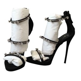 9d42a429e30e Second hand Giuseppe Zanotti Women Sandals - Joli Closet