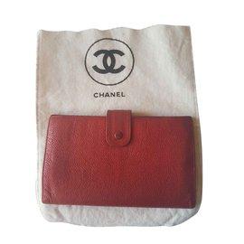 Chanel-portefeuilles-Rouge