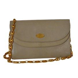 Second hand Céline Clutch bags - Joli Closet 3cf4ea608fe8c