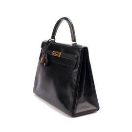 Hermès-Très beau Hermès Kelly 3é en cuir box noir, accastillage doré en très bon état !-Noir