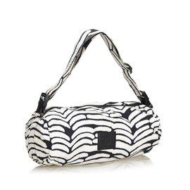 Chanel-Sac à bandoulière en nylon-Noir,Blanc