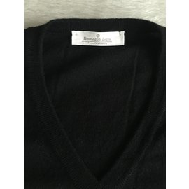 Ermenegildo Zegna-ERMENEGILDO ZEGNA Cashmere v-neck sweater in black TOP CONDITION!! Size M-Black