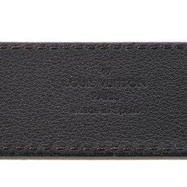 Louis Vuitton-Ceinture Louis Vuitton en cuir noir et initiales LV argent en très bon état !-Noir