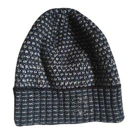 Chanel-Chapeaux-Bleu,Gris