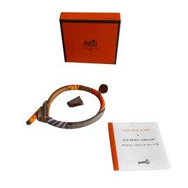 Hermès-Bracelet Hermes en soie-Multicolore