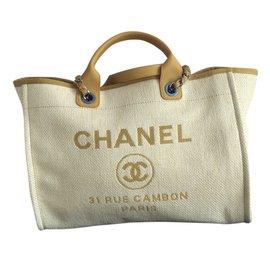 Chanel-Deauville-Jaune