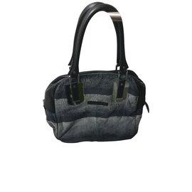 25a35fe7d01d Second hand Longchamp Handbags - Joli Closet