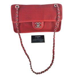 Chanel-Classique-Rouge