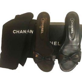 Chanel-g23822-Black