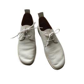 Céline-Lacets-Blanc