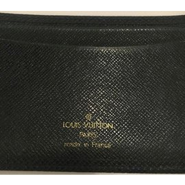 Louis Vuitton-Louis Vuitton Leather Card Holder Taiga English green color in very good condition!-Dark green