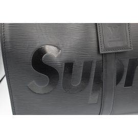 Louis Vuitton-Keepall Supreme-Noir