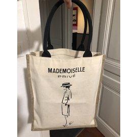 Chanel-Tote bag-Black,Cream