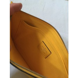 Louis Vuitton-Neverfull-Jaune