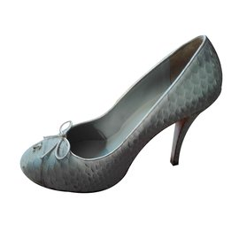 Chanel-Escarpins-Gris