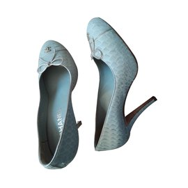 Chanel-Pumps-Grau