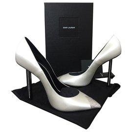 Yves Saint Laurent-Chaussures avec des cristaux-Gris
