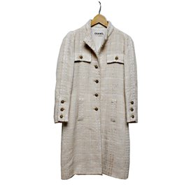 Chanel-manteau-Beige